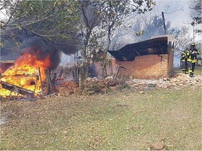 Urgen ayuda del Estado para combatir incendios en Guairá y Caazapá