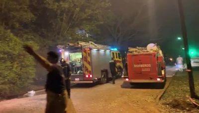 """Incendio que amenazó el Paraná Country Club, en etapa de """"enfriamiento"""""""