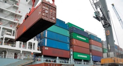 Exportaciones chinas caen debido a las consecuencias con EE.UU