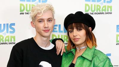 Escuchá la nueva canción de Charli XCX y Troye Sivan, '2099'