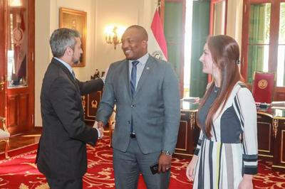 Presidente recibe a participantes de la 6ta Conferencia de Jóvenes Parlamentarios de la UIP realizada en Paraguay