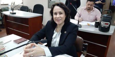 Enceguecida por la corrupción, concejal de Patria Querida asegura que tinglado «no se construyó para subseccional»