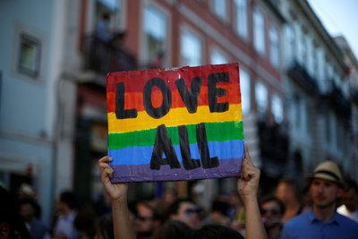 Uruguay analiza permitir matrimonio igualitario para extranjeros no residentes