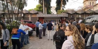 HOY / MEC interviene el Colegio San José por amenaza de balacera