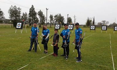 Arqueros altoparanaenses se destacan en competencia internacional