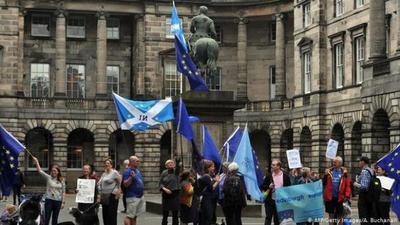 """Un tribunal escocés considera """"ilegal"""" la suspensión del Parlamento británico"""