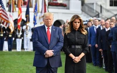 Trump guarda minuto de silencio en aniversario del 9/11