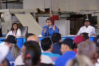 """Maduro niega """"chantaje"""" en recolección de firmas contra Trump"""