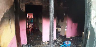 Vivienda se incendia en Franco