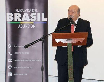 Dispararon a contrabandistas, no a bomberos, dice embajador de Brasil