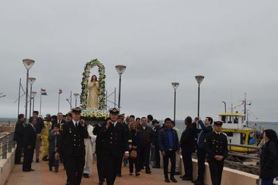 Colorida procesión por Día de Stella Marys y la Armada paraguaya