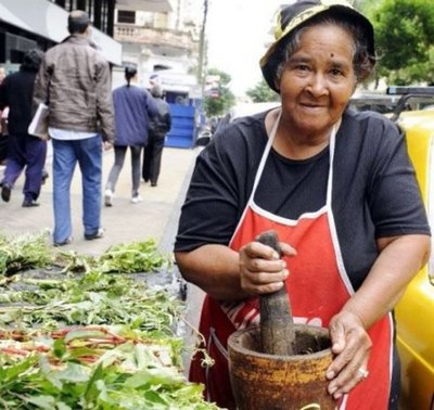 "Mujer paraguaya ""Kuña guapa"""