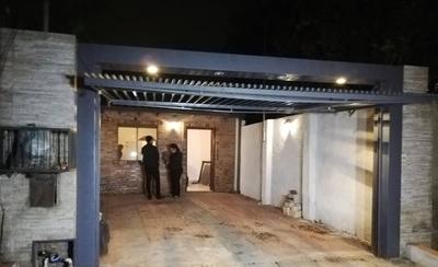 HOY / Rescate de Samura: allanan 4 viviendas y hallan G. 8 millones en casa de guardiacárcel