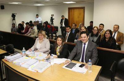 Alegatos finales y sentencia en juicio a Salyn Buzarquis serán este lunes