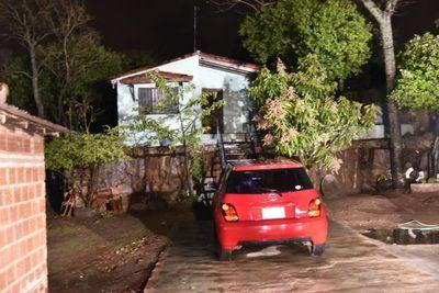 Allanan cuatro casas y encuentran dinero escondido en casa de guardiacárcel