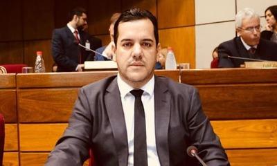Mario Abdo se pronuncia respecto movida en el MAG