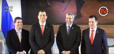 Mario Abdo Benítez toma juramento a nuevos ministros de Agricultura y de Justicia