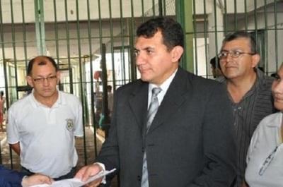 Detienen a director del Penal de Emboscada