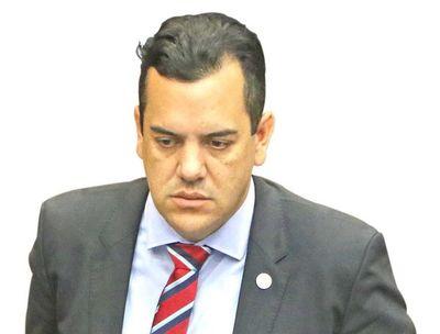 Flamante ministro Friedmann no terminó la secundaria
