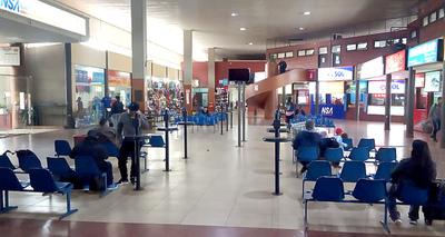 Terminal de Ciudad del Este sigue sucia, sin agua e irrisorias mejoras