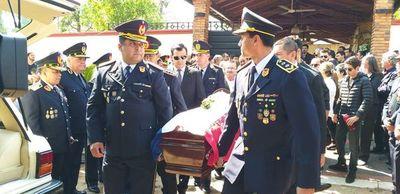 Villamayor debe dar un paso al costado, asegura comisario retirado