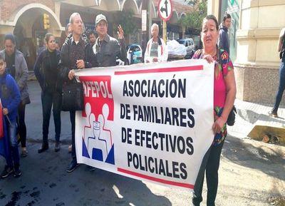 Suman voces pidiendo la renuncia de ministro del Interior Villamayor