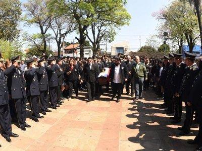 Exigen unidad y liderazgo  policial en el último adiós del comisario Ferrari