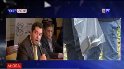 Testigo afirma que guardiacárcel baleó a comisario