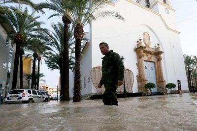 Aumentan a seis los muertos por graves inundaciones en España