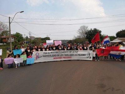 Policías retirados y familiares de agentes activos piden renuncia de Villamayor