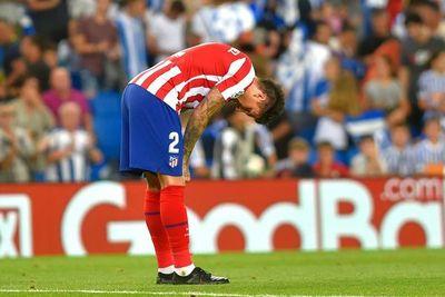 El líder Atlético cae en casa