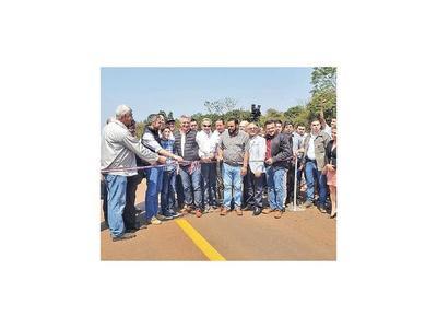 Tras años de espera  inauguran asfaltado de 34 Curuguateños