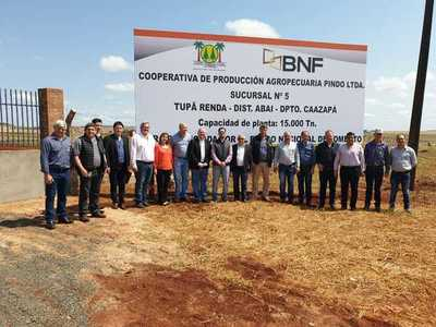 Cooperativa de productores de Caazapá inaugura silo con crédito del BNF