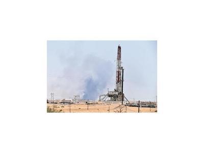 Arabia trata de restablecer su producción de petróleo