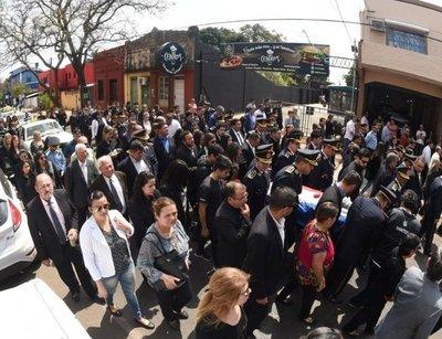 Con protesta, policías ponen en escrutinio las facultades Constitucionales del Presidente