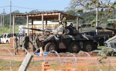 """HOY / """"Es jodido militarizar las calles"""": voces en contra de la iniciativa del Gobierno"""