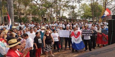 Policías piden salida de Villamayor y rechazan a militares en las calles