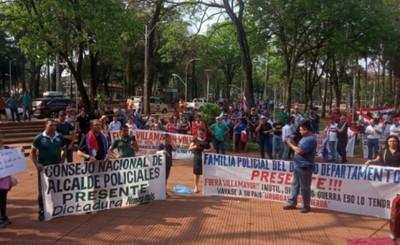Bloquean paso vehicular en Aduanas exigiendo salida de Villamayor