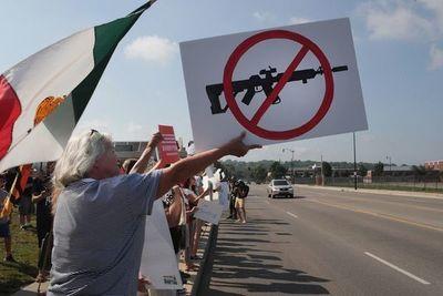 Fabricantes de armas, el actor oculto en la militarización fronteriza en EE.UU.