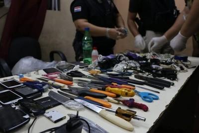 Varios objetos prohibidos incautados tras intervención en el Buen Pastor