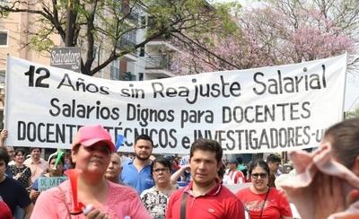 """HOY / Hacienda: es un """"despropósito"""" aumentar de más el presupuesto de la UNA"""