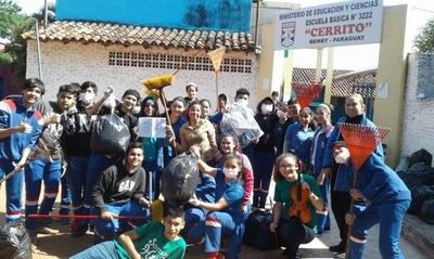 HOY / Jóvenes voluntarios fueron protagonistas de la jornada ambiental