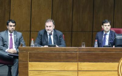 """HOY / Hacienda defiende presupuesto """"optimista"""" y """"austero"""" para 2020"""