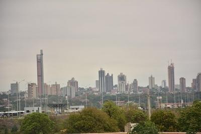 10 impactantes imágenes de la nube tóxica en Asunción