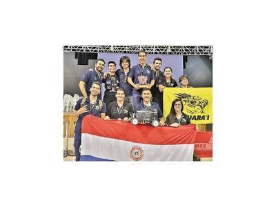 Futuros ingenieros electromecánicos se destacan en Brasil