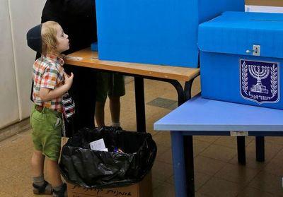 Netanyahu y Gantz sin mayorías en un lento recuento de votos en Israel
