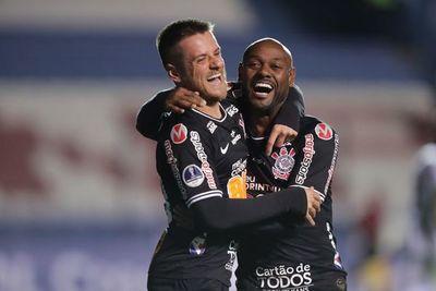 Corinthians recibe a Independiente en la primera semifinal