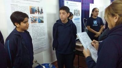 HOY / Medio ambiente y calidad de vida, temas abordados por alumnos en Feria de Ciencias de Arambé