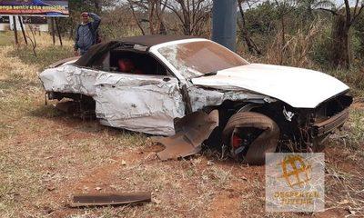 Automovilista embiste contra columna en Hernandarias
