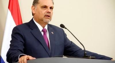 Ministro pide sanciones más duras para quienes provocan incendios